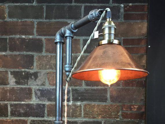Industriële Lamp - Edison lamp Lamp - tafel Lamp - industriële verlichting - koperen schaduw - bureaulamp - rustiek - ijzeren pijp - schuur licht