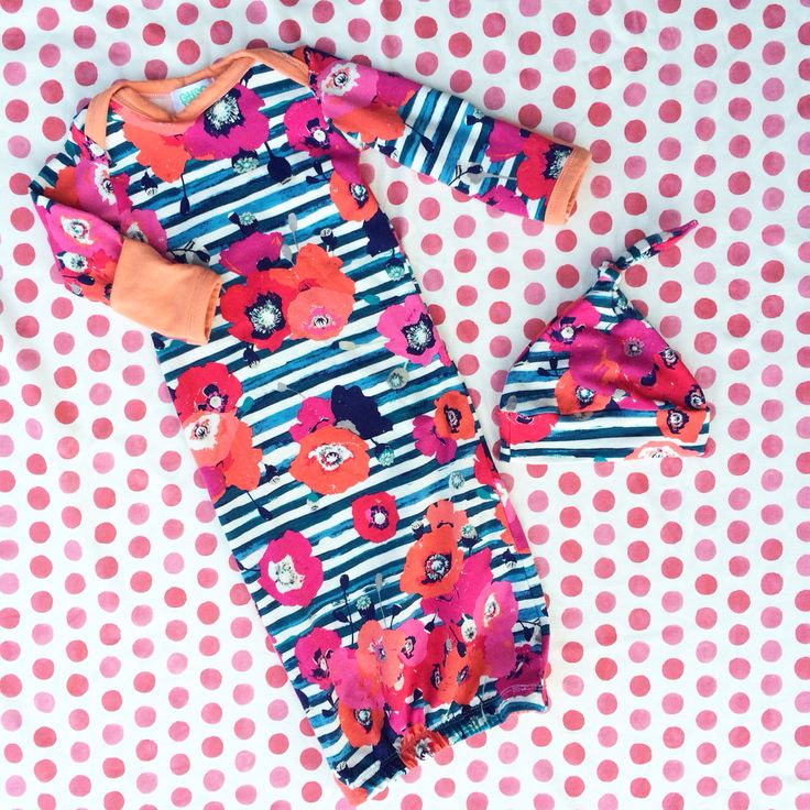 Poppy Layette Gown from Oh So Vera - such a great outfit to bring baby home in or for newborn pictures! Ohsovera.com