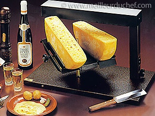 Traditional raclette machine