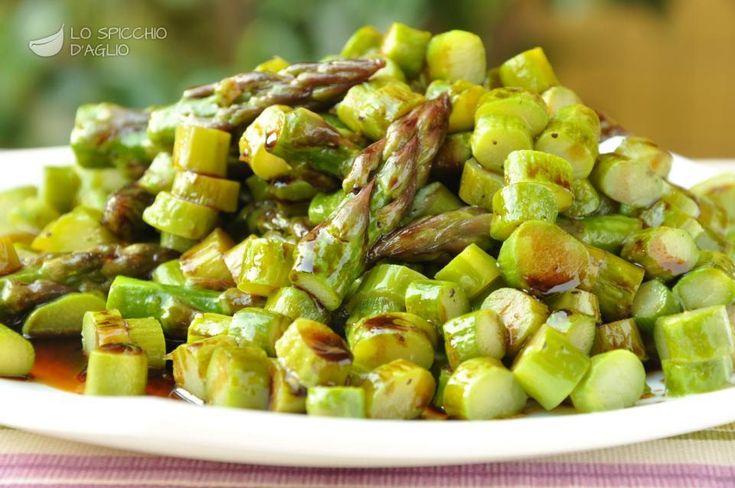 Asparagi all'aceto balsamico......Per la ricetta consultate il mio sito oppure scrivetemi nei commenti!