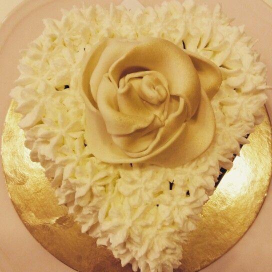 Heart Chantilly cake #PasticceriaSuMisura #pastry #SanValentino #Lecco