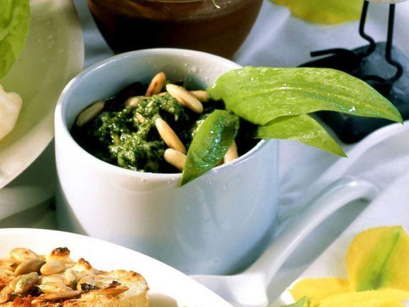 Hirsefrikadellen mit Bärlauchsauce ist ein Rezept mit frischen Zutaten aus der Kategorie Getreide. Probieren Sie dieses und weitere Rezepte von EAT SMARTER!
