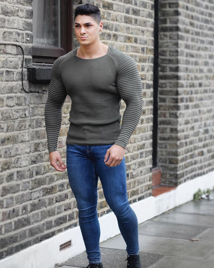 советую парень в облегающих джинсах фото вот
