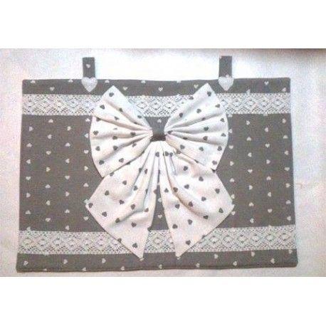 Copriforno grigio con fiocco bianco