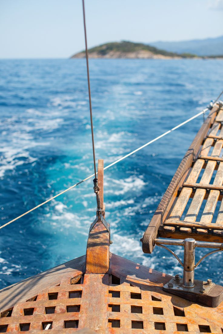 Boating in Greece - Peony Lim Places Around The World, Oh The Places You'll Go, Bubble Activities, Peony Lim, Greece Vacation, European Summer, Boat Rental, Beautiful Places To Visit, Countries Of The World
