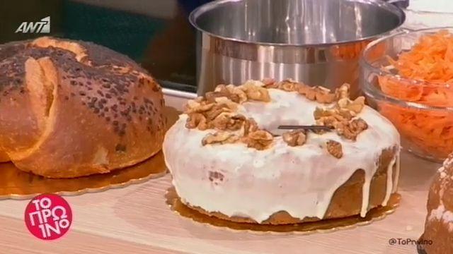 ANT1 WEB TV / Συνταγές | ΕΠΕΙΣΟΔΙΑ ΣΕΙΡΩΝ | Ο Διονύσης Αλέρτας ετοιμάζει carrot cake με γλάσο λευκής σοκολάτας.