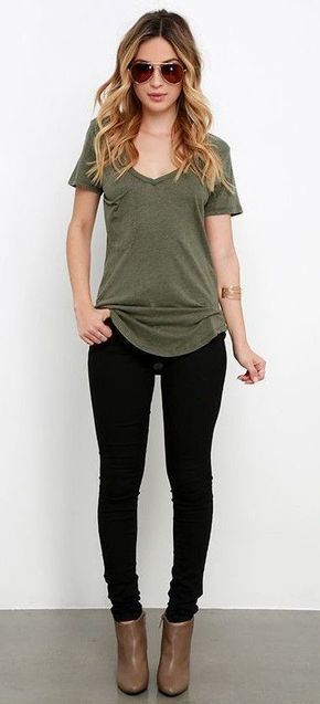 #winter #outfits gray v-neck t-shirt with black leggings and brown leather boots