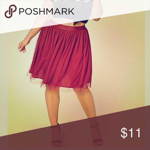 Forever 21 tulle skirt. This skirt is adorable: maroon, tulle, and fits just above the knee. Forever 21 Skirts Midi