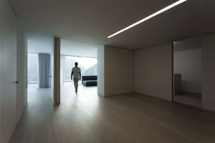http://boomzer.com/golf-course-sight-or-a-obvious-exterior-make-for-a-contemporary-marvel/perfect-hardwood-floors-ceiling-lighting-three-bedroom-amazing-house-exterior-fran-silvestre-arquitectos/