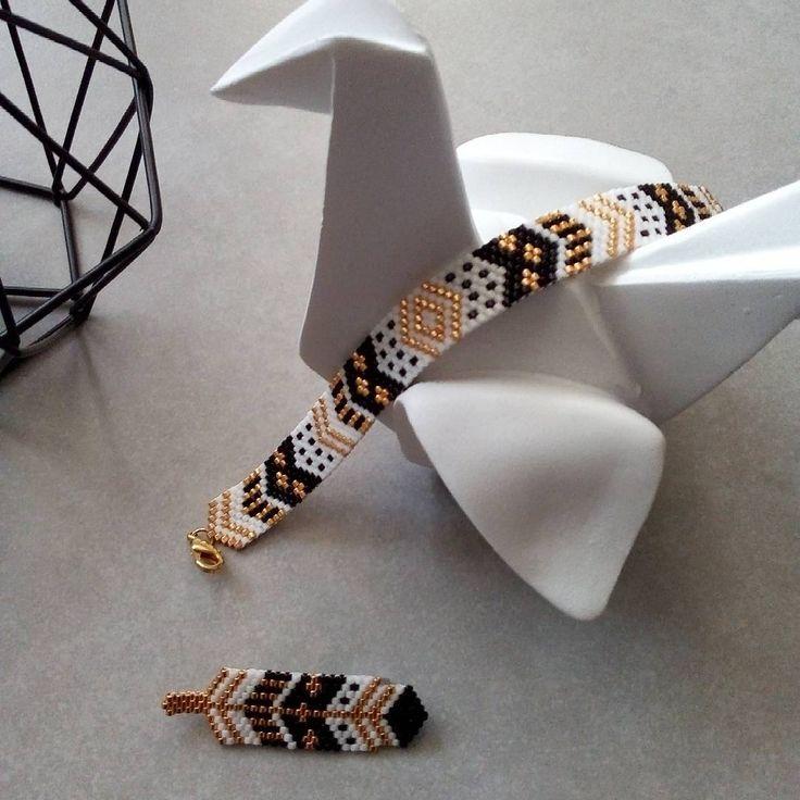 """""""Mi piace"""": 138, commenti: 18 - Marie Pilard (@mariepilard) su Instagram: """"Maintenant que Noël est passé, je peux vous montrer le bracelet peyote que j'ai créé pour assortir…"""""""