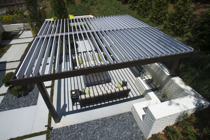 Outdoor Patio Cover Modernizes Midcentury Home | EQUINOX Roof | Motorized Louvered Roof Systems