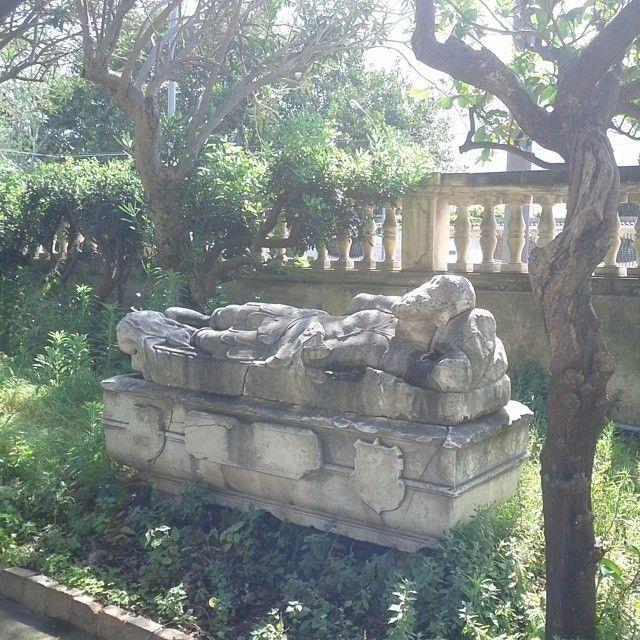 Museo regionale Maria Accascina a Messina, figura marmorea nel giardino #invasionidigitali #siciliainvasa2014 #museoaccascina