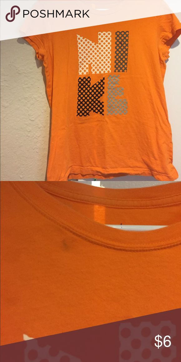 Nike Women's tshirt Does have small mark as pictured. Nike Tops Tees - Short Sleeve