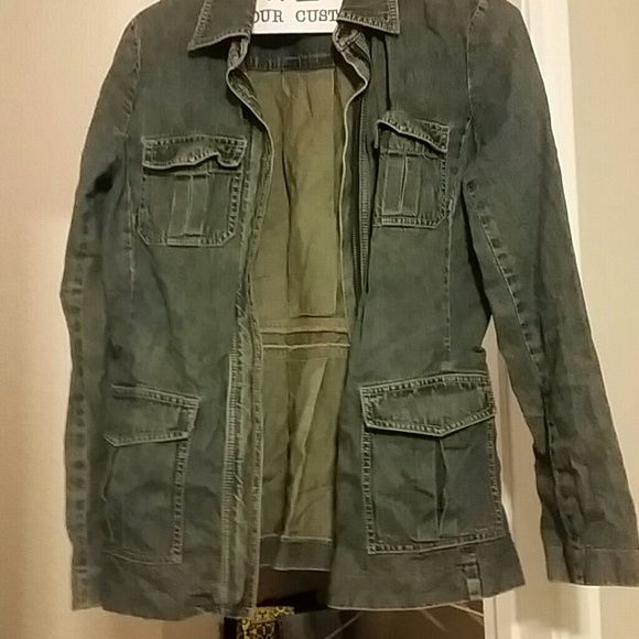 Lord n Taylor  jean jacket Lord n Taylor  jean jacket...very nice great condition Lord & Taylor Jackets & Coats Jean Jackets