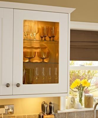 Burford White Kitchen Range   Kitchen Families   Howdens Joinery