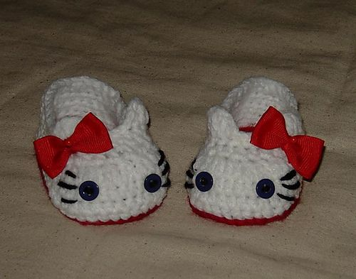 Hello Kitty Slippers, Baby Booties, house shoes by Cathy Ren  (pinning for Brittney)
