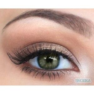 Natural look great for green eyes.