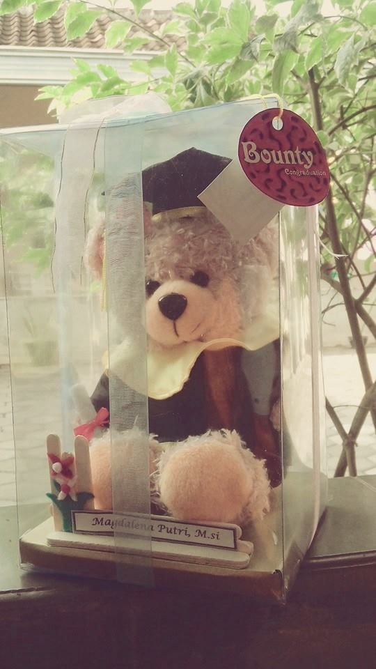 It's kinda the complete graduation-doll with box, nametag, logo, beauty ribbon. It cost IDR 85k only. It's handmade, so if you want it, you should order first.
