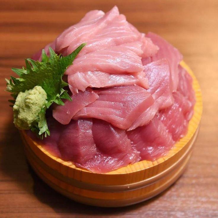 We witness the birth of most of the new dish of tuna!  #Japankuru #100tokyo #shinjuku #maguro #tuna #delicious #gourmet #food #f4f #followmeplease