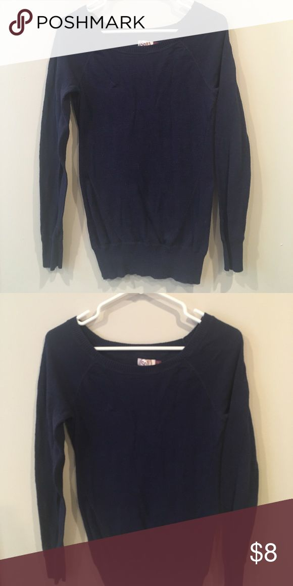 ⚫️ Navy long sleeve top Really soft sweater! One of those form fitting ones that looks great on anyone! Size small, true to size. Tops Tees - Long Sleeve