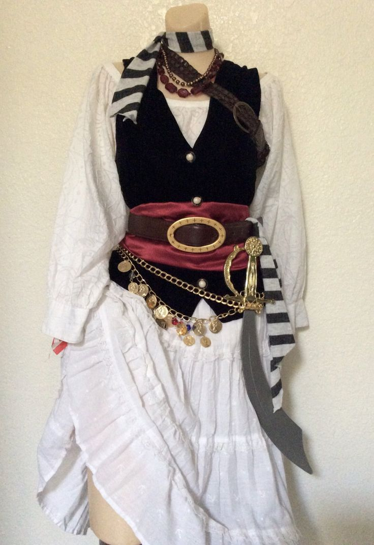 Adult Pirate Halloween  - Deluxe Complete Pirate  - Women's Small