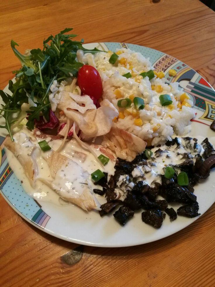 Lazac, gomba, rizs, zöldségek, sajtszósz 🤗