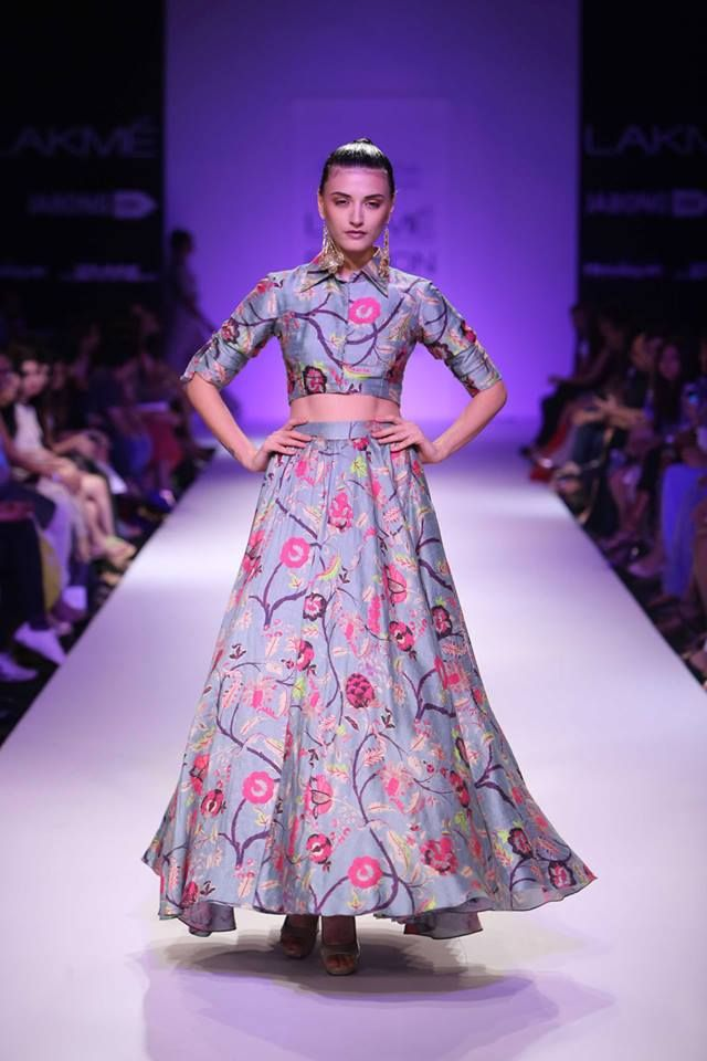 Book this quirky printed Payal-Singhal ensemble for a night out in the city! Available only at Stage3.co #PayalSinghal  #DesignerOutfitsOnline #Stage3 #GetTheLook #TheNewWayToDoIt