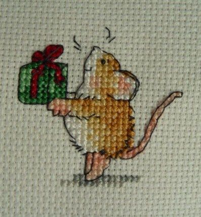 Mouse on tiptoes giving/receiving a present, mini X-stitch