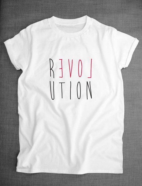 Hey, j'ai trouvé ce super article sur Etsy, chez https://www.etsy.com/fr/listing/200476777/revolution-love-world-peace-t-shirt