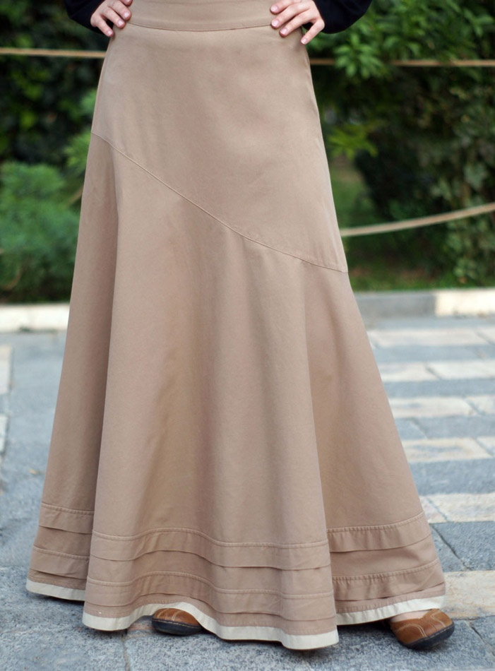 SHUKR USA | Asymmetrical Flared Skirt | Gah, love it so much.