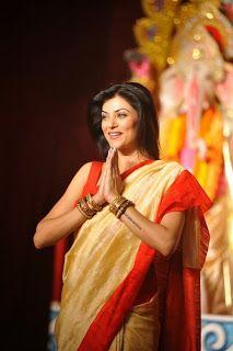 Sushmita sen Celebrates Durga Puja.