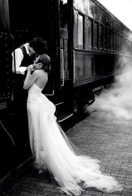 Train Photo Harry Potter Themed Wedding - Foto en tren boda Harry Potter || Érase un evento www.eraseunevento.es