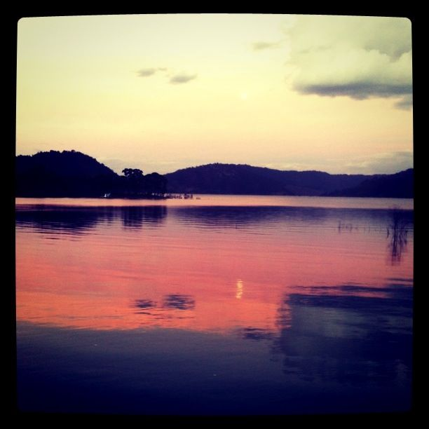 sunset, lake eildon