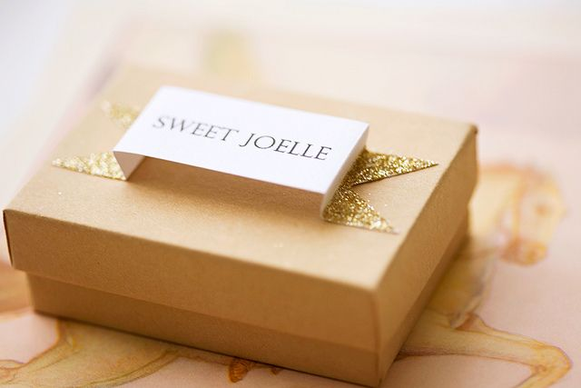 Pop up with sparkle packaging. #ribbon #banner #box #name #gift #wrapping #presents