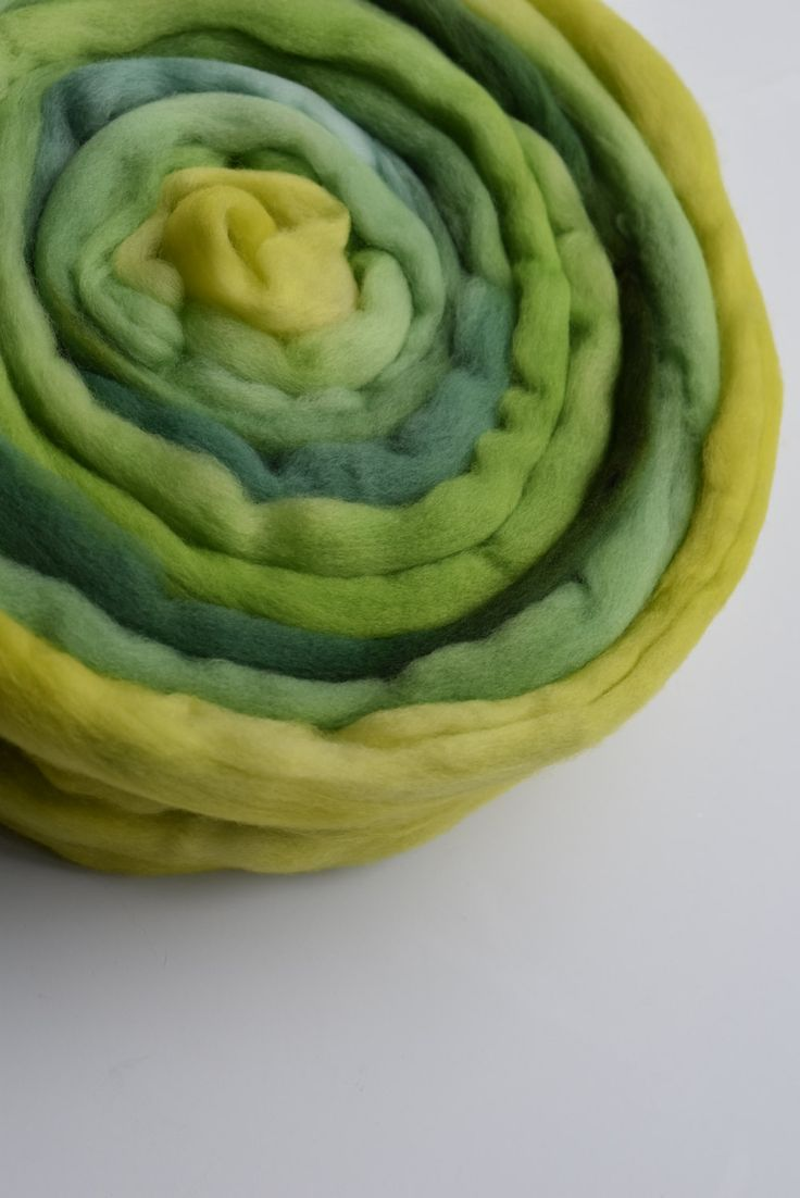 Merino wool roving wool top spinning fibre, felting wool, needle felting wool Yellow Lime Green 11580 by feltfibrecraft on Etsy