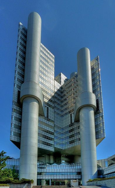 Hypo Hochhaus by Claude@Munich, via Flickr