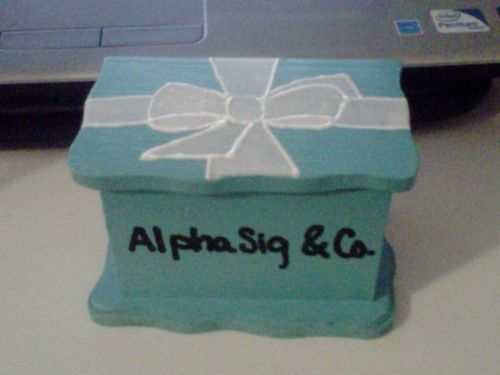 yes! change to sigma?: Crafts Ideas, Badges Boxes, Good Ideas, Pin Jewelry Boxes, Pin Boxes, Cute Ideas, Boxes Ideas, Great Ideas, Alpha Gam
