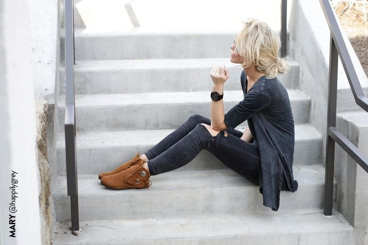 Mary @happilygrey, looking chic in the Two Button Boot // 25 Ways to Wear Fringe // Minnetonka Moccasin // #fallfringe