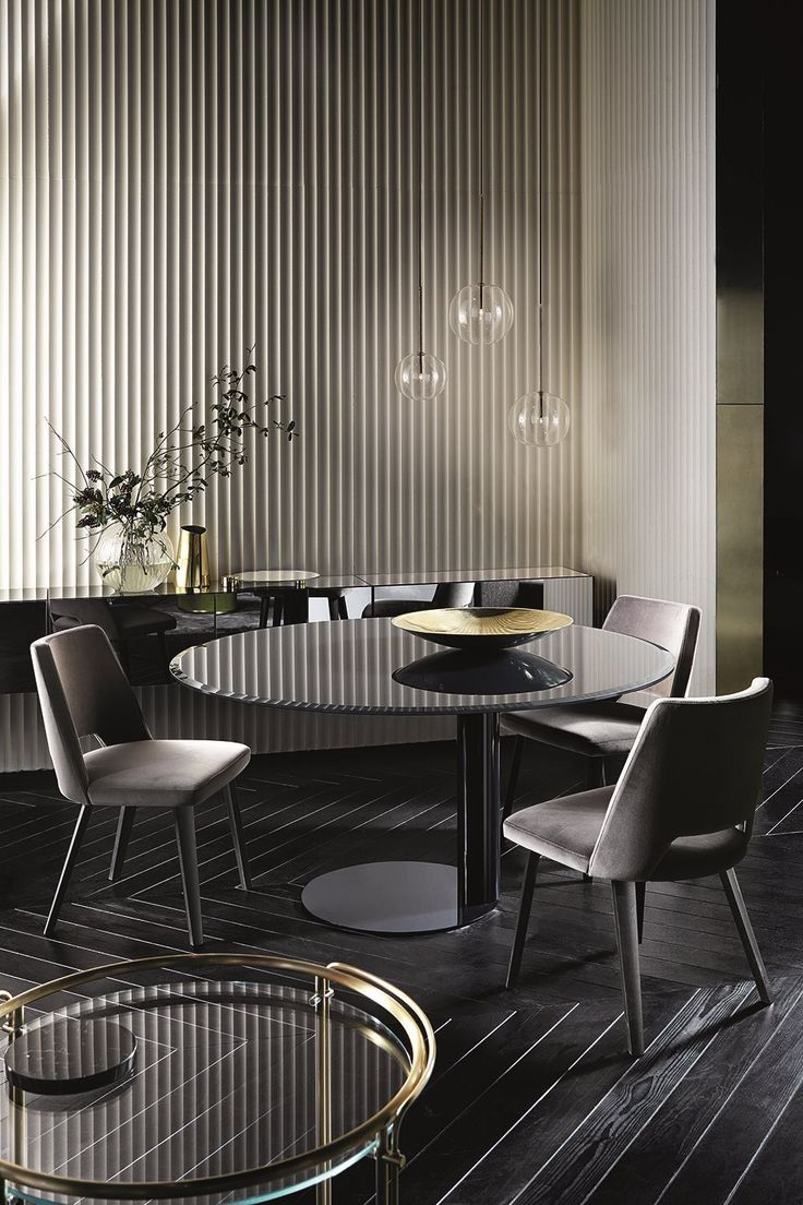 Bolle Sola, hanging lamp. Metal parts in hand burnished brass. Designed by Massimo Castagna for Gallotti&Radice. - Oto, table - Thea, chairs - Riki, trolley.