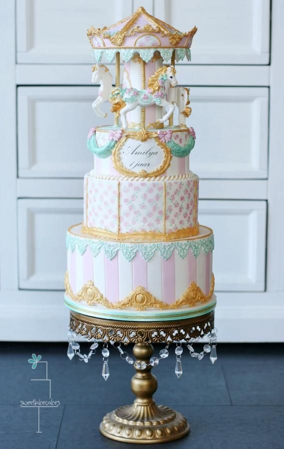 EDITOR'S CHOICE (03/09/2015) Vintage Carousel Cake by Tamara View details here: http://cakesdecor.com/cakes/185446-vintage-carousel-cake