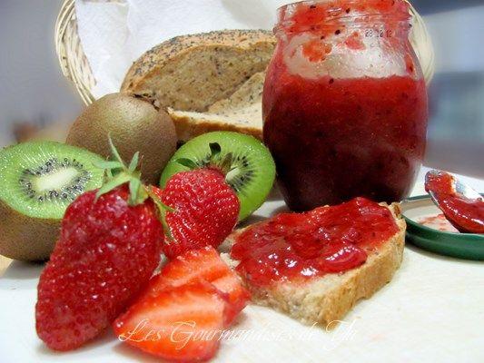 Confiture à base de fraises et de kiwis