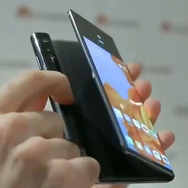Huawei foldable phone   – 공상과학,미래,전자제품