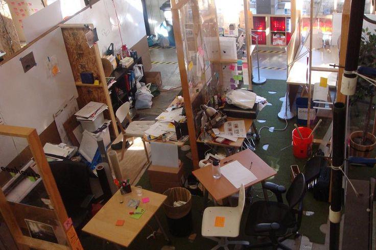 Hoezo kamer opruimen? Creatieve mensen maken geen rommel, die hebben gewoon overal ideeën liggen!