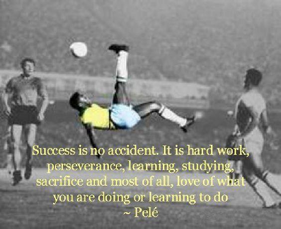 Sukces to nie przypadek, to ciężka praca, wytrwałość, nauka, studiowanie, poświęcenie • Pele o sukcesie - cytaty piłkarskie • Zobacz >> #pele #quotes #football #soccer #sports #pilkanozna