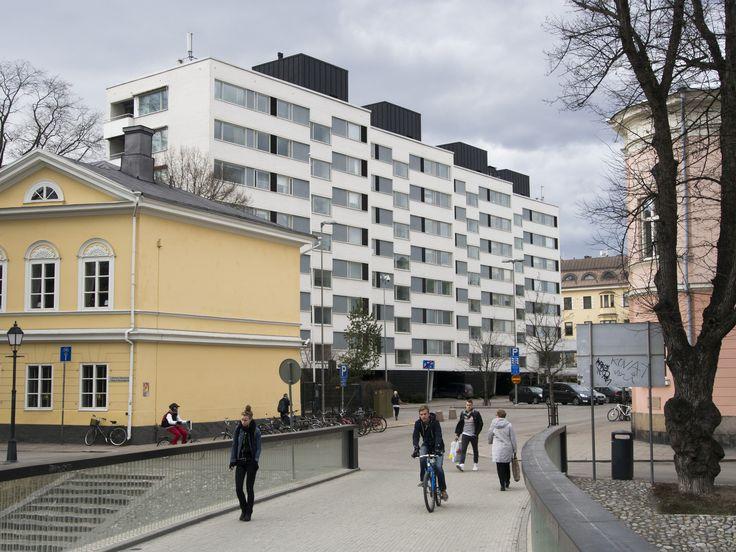 https://flic.kr/p/JZyWUG   By the river Aura - 01   As Oy Carenia, designed by architect Pekka Pitkänen, built 1960-1961.