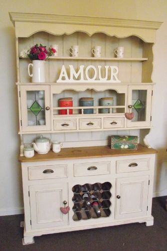 I absolutely love cabinets like these. They are simply adorable.