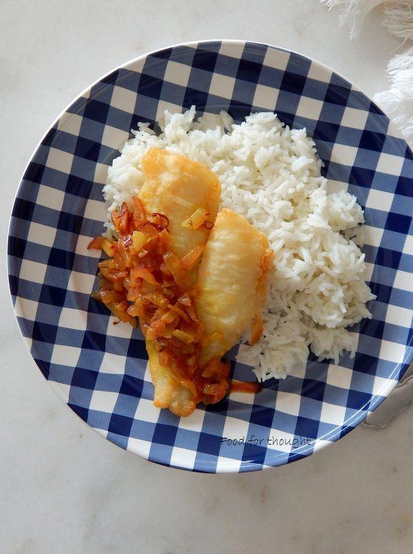 Γλώσσες με σάλτσα από σαφράν και κουρκουμά.  http://laxtaristessyntages.blogspot.gr/2015/09/gloses-me-saltsa-apo-safran-kai-koyrkoyma.html