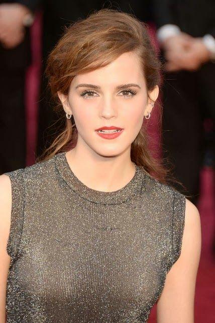 Emma Watson  http://cuchurutu.blogspot.com.es/2014/03/accesorios-maquillajes-y-peinados-en.html