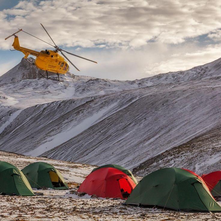 いいね!40件、コメント2件 ― TERRA NOVA EQUIPMENT LTDさん(@terranovaequipment)のInstagramアカウント: 「Terra Nova expedition tents on South Georgia. Photo by Oliver Prince @prince.oli #terranovaequipment」