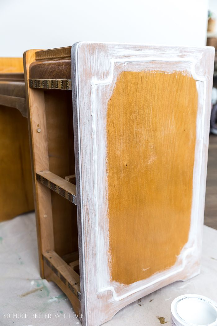 How To Paint Furniture For A Professional Look Paint Primer On Furniture So Much Better With Paint Furniture Painted Furniture Furniture Painting Techniques